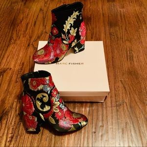 Marc Fisher Never worn stacked heel booties